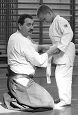 Aikido oktatás - öv megkötése